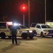 Ambulancias y policías en el lugar donde se ha producido un tiroteo en Darwin, Australia