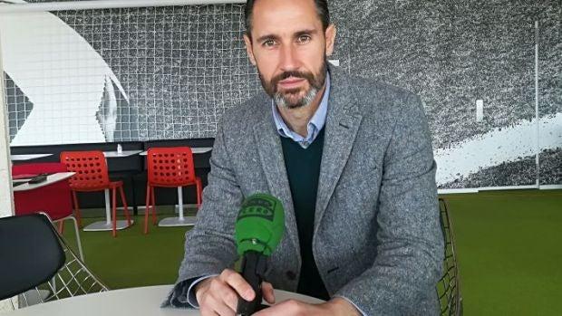 """Vicente Moreno: """"Ha sido un partido perfecto, lo hemos merecido y hemos tenido esa pizca de suerte"""""""