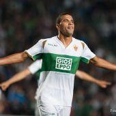 Jonathas de Jesus celebra un gol en Primera División con el Elche CF, en la temporada 2014/15.