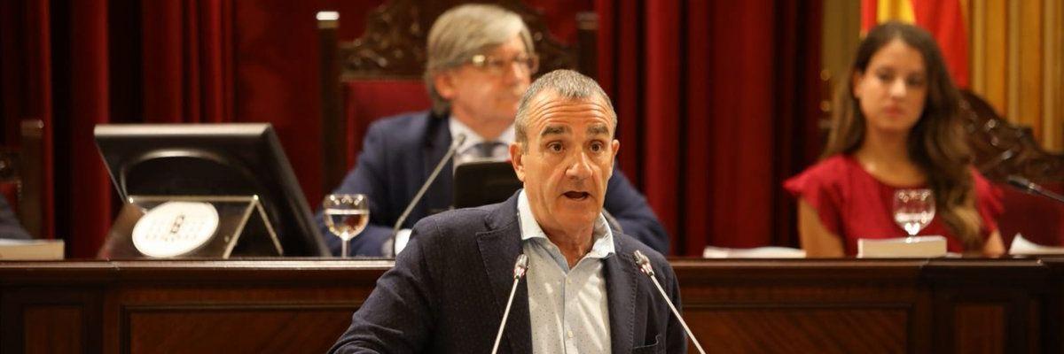 Juan Pedro Yllanes, de Unidas Podemos, en el debate de Investidura de Francina Armengol.