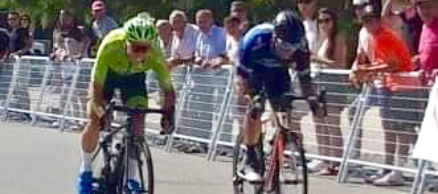 José Manuel Díaz se impuso en línea de meta a Raúl Patiño, en un apretado sprint.