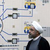 El presidente iraní, Hasán Rohaní, durante una visita a la planta nuclear de Bushehr en el sur de Irán.