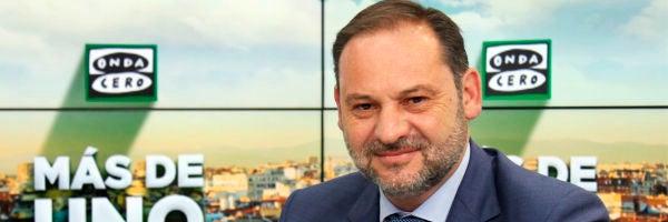 Ábalos dice que se esforzarán en hablar con Pablo Casado porque España necesita un gobierno ya