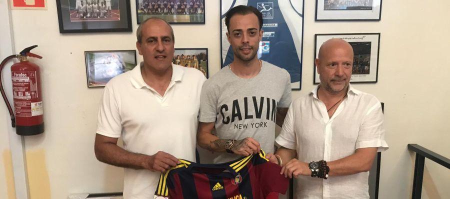 El jugador mallorquín, Dani Benítez, ficha por el Poblense