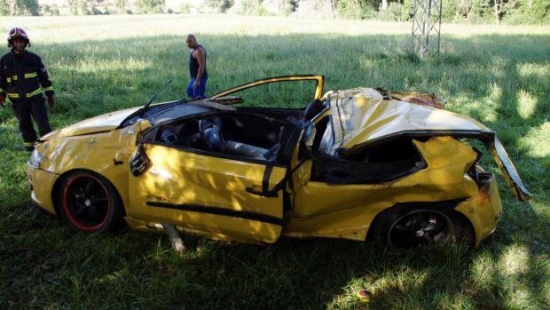 Tres muertos y tres heridos tras salirse de la carretera un coche de cinco plazas en Salamanca