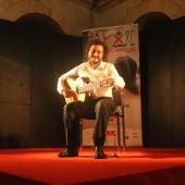 El guitarrista Marco Piperno durante una actuación.