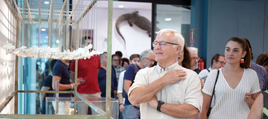 El alcalde de València, Joan Ribó, y la consellera de transición ecológica, Mireia Mollà, durante la inauguración de la muestra.