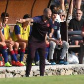 Víctor Valdés, durante su primer partido como técnico