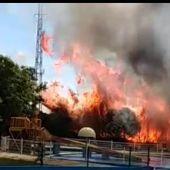 El fuego se originó al lado de Playa Park