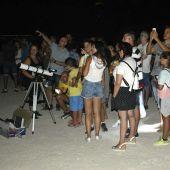 'Plantá' de telescopios durante una actividad de observación astronómica de AstroGEDA.