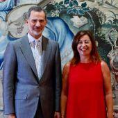 Felipe VI recibe a Francina Armengol en el Palacio de la Almudaina