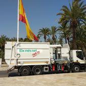 Uno de los dos nuevos vehículos de recogida de basuras.