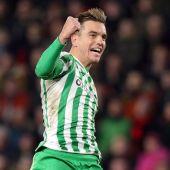 Lo Celso celebra un gol con el Real Betis