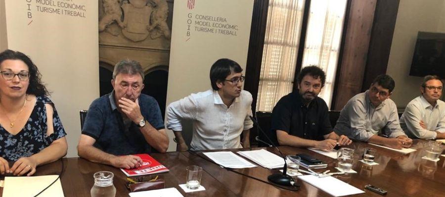 Iago Negueruela con patronales y sindicatos