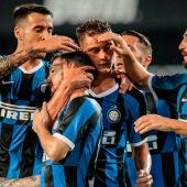 Jugadores del Inter celebrando un gol