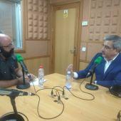 Román Rodríguez con Sergio Miró en los estudios de Onda Cero Canarias