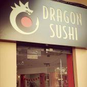 Establecimiento Dragon Sushi.