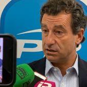 El presidente del PP de Baleares, Biel Company, ante los medios.