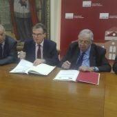 Firma del convenio en la Universidad de Castilla-La Mancha