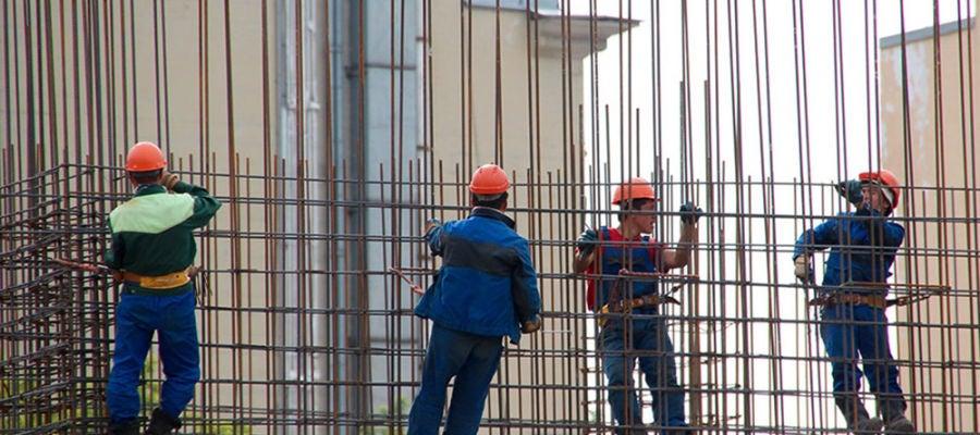 El paro subió sobre todo en construcción y servicios