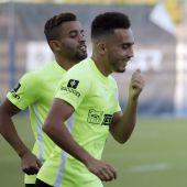 Benkhemassa y Sadiku, con Boulahroud en un entrenamiento del Málaga CF