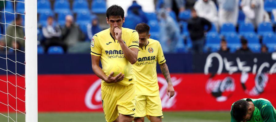 Gerard Moreno celebra uno de sus goles con el Villarreal