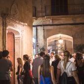 Ciudadanos disfrutando de la Nit de l'art en Palma en 2018