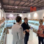Expositor de una empresa de calzado de Elche en la feria MICAM de Italia.