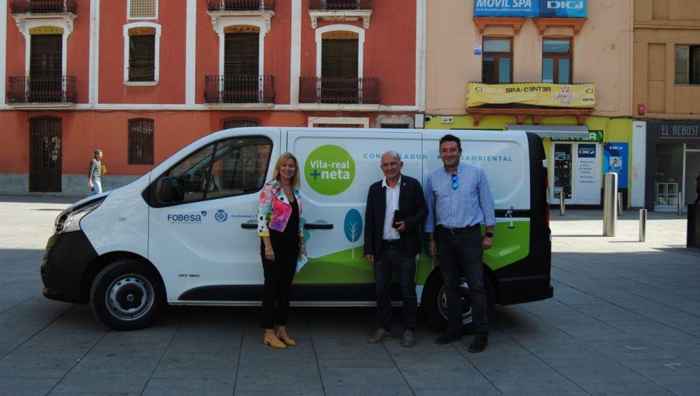 Els regidors Silvia Gómez i Paco Valverde junt amb el  director de l´àrea de Medi Ambient de Fobesa, Javier Bartolomé.