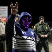 Uno de los presentes en el asalto del Área 51, con su disfraz
