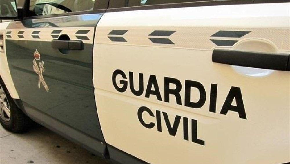 El detenido permanece en el calabozo de forma preventiva mientras se instruyen las diligencias