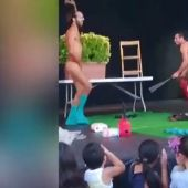 Un striptease 'para todos los públicos' escandaliza a los niños presentes en la actuación de las Fiestas de la Mercè