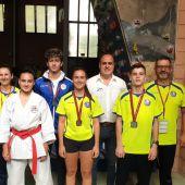 Los representantes del Club Chazarra Elche, en la segunda jornada de la Liga Autonómica de karate,