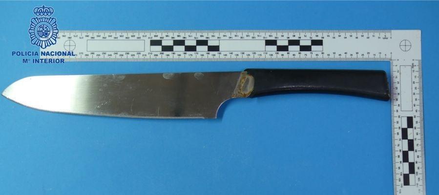 El cuchillo con el que la mujer ha agredido a su pareja sentimental.