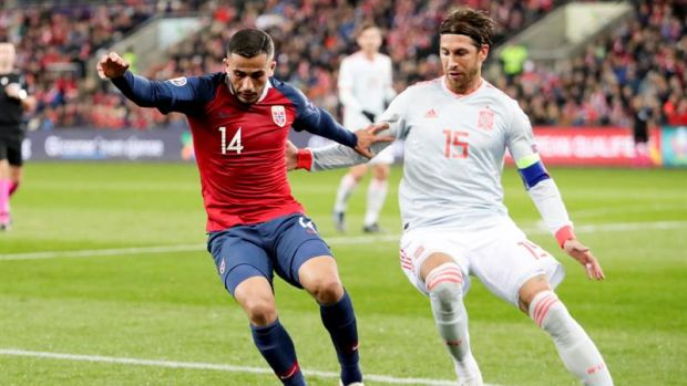 Sergio Ramos se mantiene en la concentración de la Selección pese a la sanción