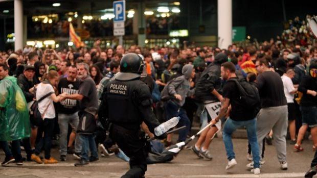 """Luis Rendueles: La amenaza del cisne negro, """"un acontecimiento inesperado que puede cambiar el escenario en Cataluña"""""""