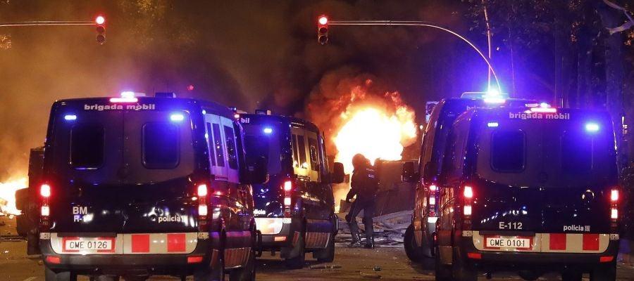 Disturbios tras la concentración convocada por los CDR en Barcelona