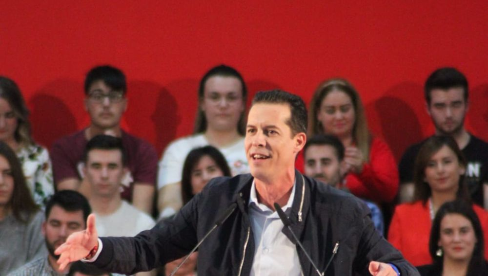 Rubén Alfaro, alcalde de Elda en el mitin.