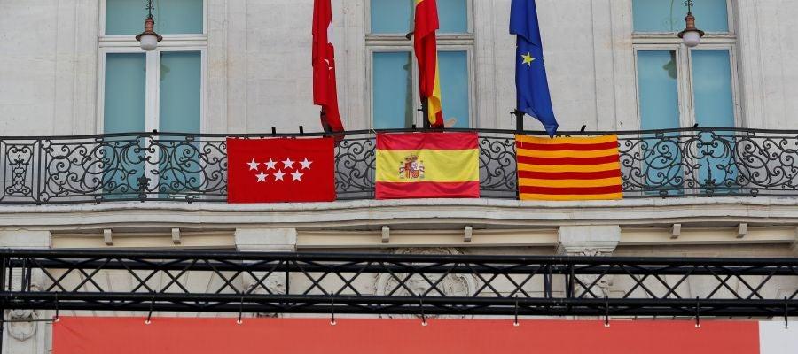 Concentración 'Juntos por España. Convivencia sin violencia', convocada por Foro España, que ha tenido lugar este domingo en la Puerta del Sol