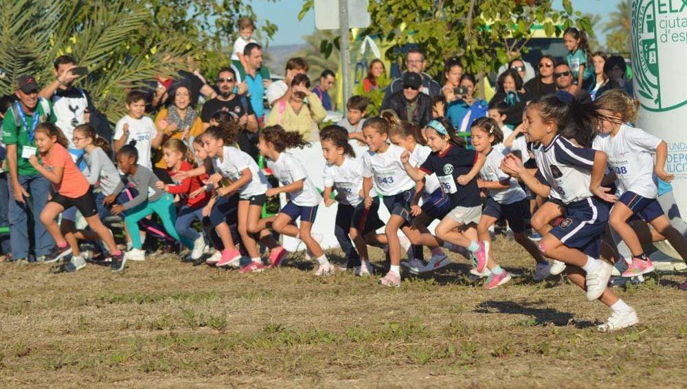 El XXXVI Cross Juventud Atlética de Elche contó con 18 carreras y alrededor de mil participantes.
