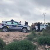 Agentes de la Policía Local de Elche en el dispositivo de vigilancia de la campaña de caza.