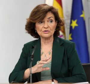 La tele con Monegal: El ataque de risa de Carmen Calvo en El Intermedio cuando le preguntaron por Ábalos