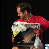 Roger Federer, en el reto de 'Halloween' de la ATP