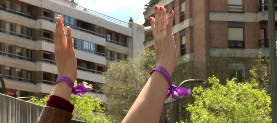 Lazo morado, símbolo de la lucha contra la violencia de género.