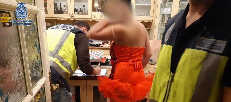 La mujer arrestada en Palma por la Policía Nacional por obligar a otras a prostituirse.