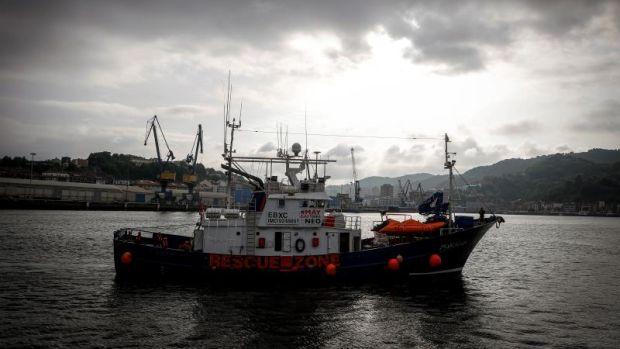 Más de 350 migrantes esperan un puerto tras el último rescate del Aita Mari