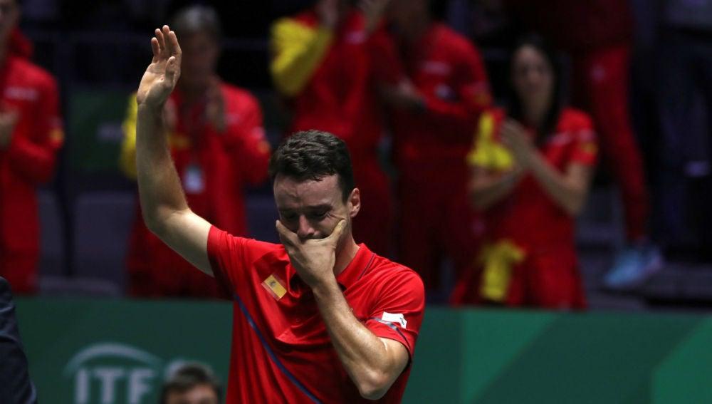 LaSexta Deportes (24-11-19) Roberto Bautista rompe a llorar tras lograr el primer punto para España en la final de la Copa Davis