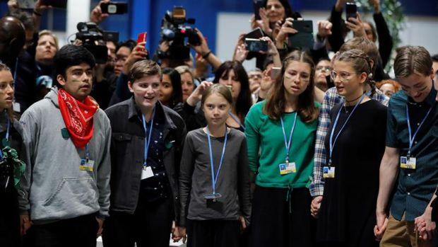 Greta Thunberg llega a la Cumbre del Clima en Madrid tras un viaje en tren de 10 horas desde Lisboa