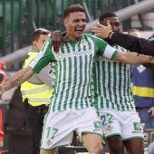 Joaquín celebra la victoria del Betis