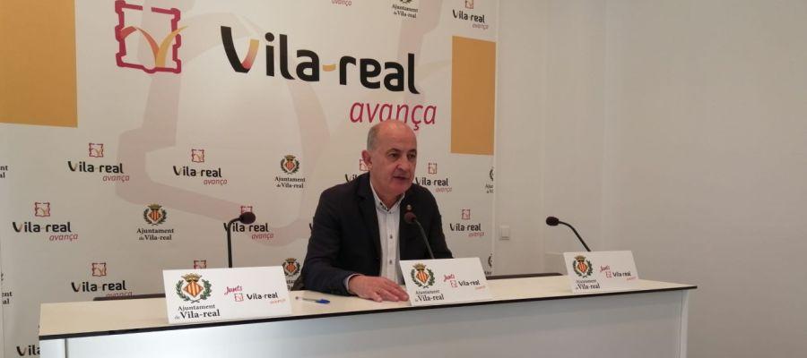 El regidor de Serveis Publics, Paco Valverde ha presentat el pla de millora de l´accesibilitat urbana.